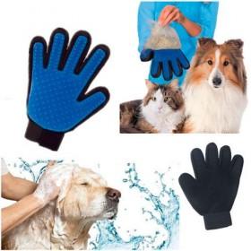 Перчатка для вычесывания шерсти животных Тру Тач True Touch
